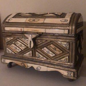 Other - Ivory jewelry storage box